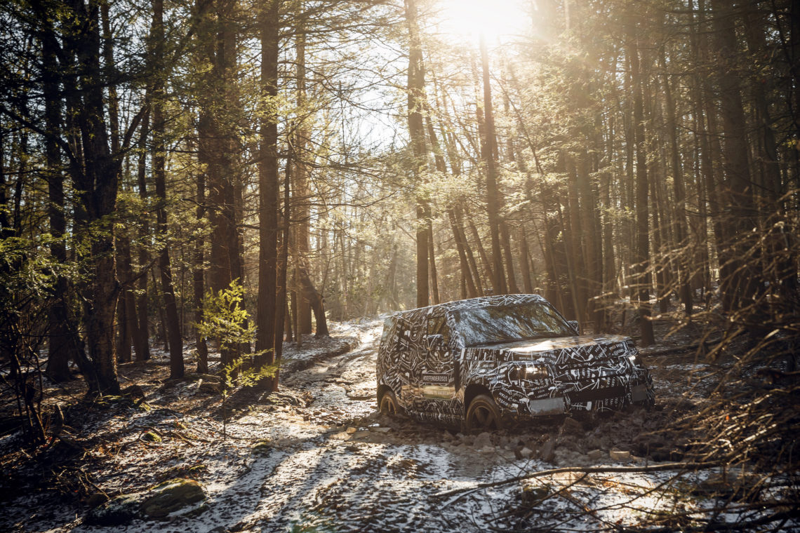 Neue-Fotos-vom-Land-Rover-Defender-2020