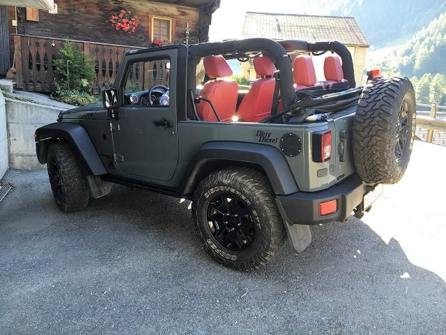 Jeep-Wrangler-JK-Rubicon-x